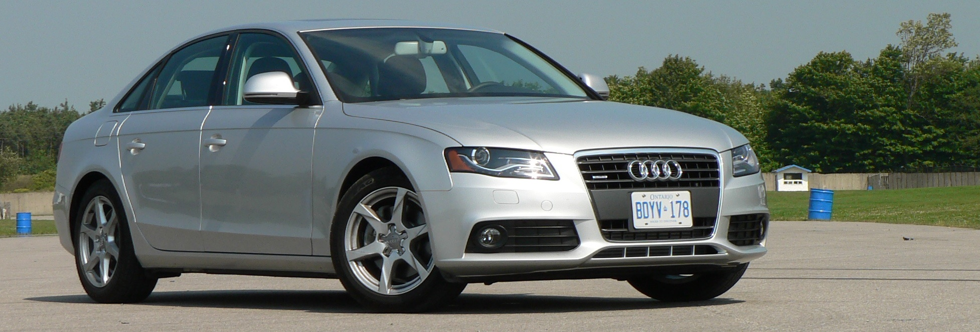 first drive 2009 audi a4 john leblanc 39 s straight six. Black Bedroom Furniture Sets. Home Design Ideas