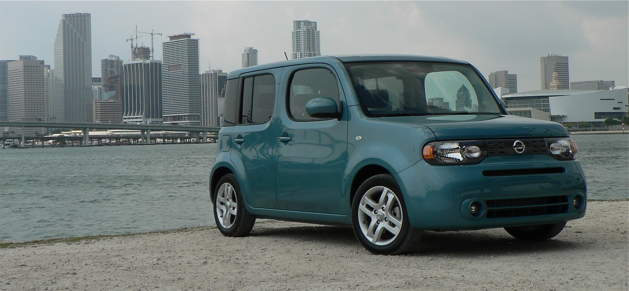 First drive 2010 nissan cube john leblancs straight six first drive 2010 nissan cube vanachro Choice Image