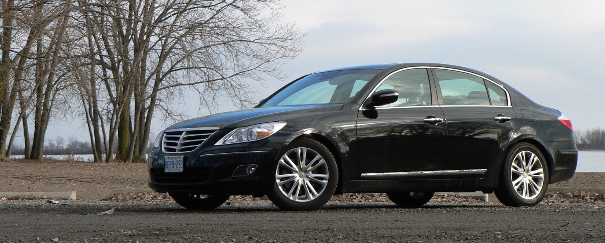 Road Test: 2009 Hyundai Genesis 4.6