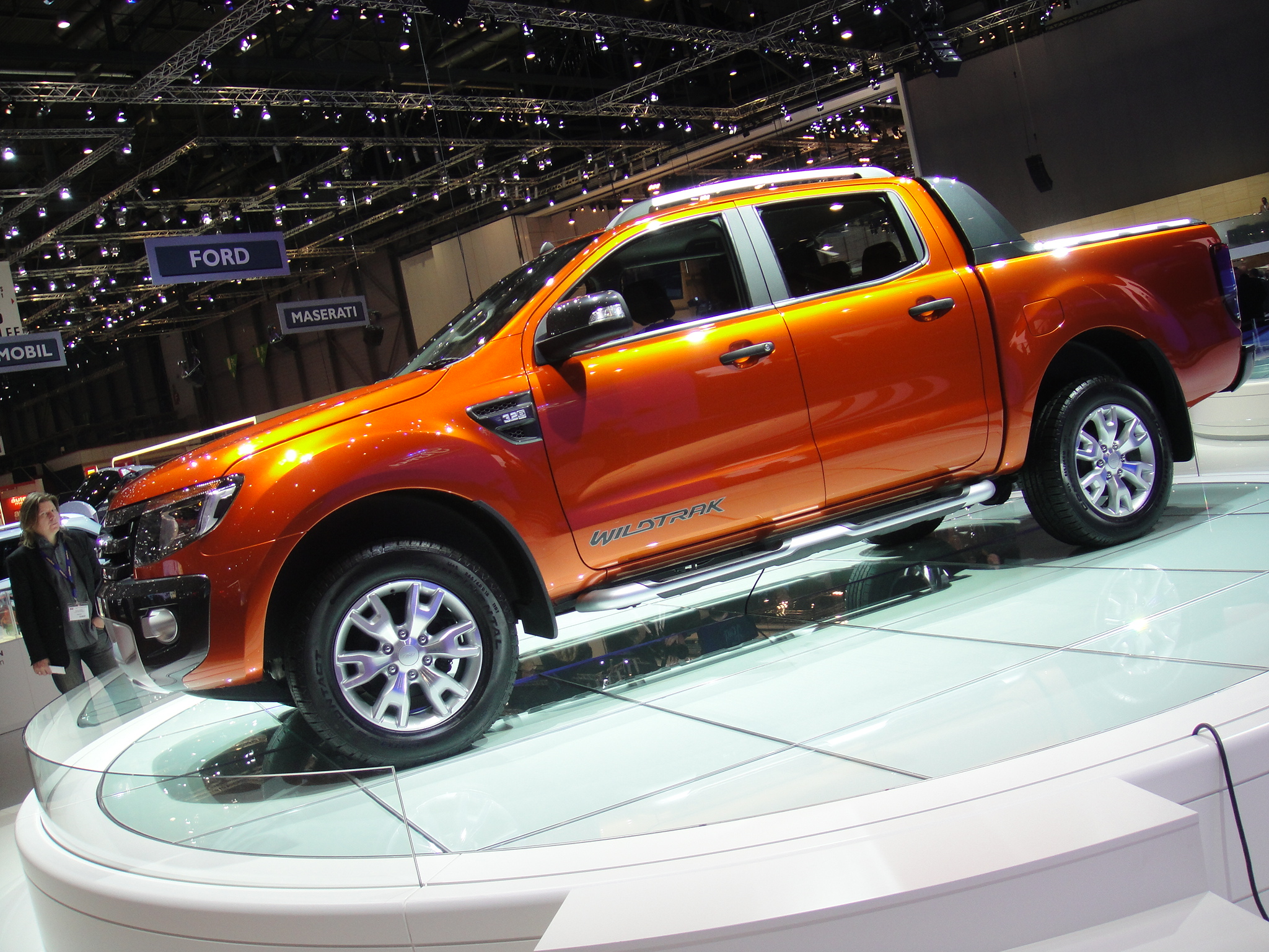 More picture with the ford ranger wildtrak interieur for Interieur ford ranger
